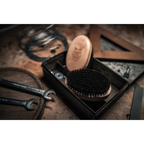 Angry Beards Gentler Brush kefa na fúzy
